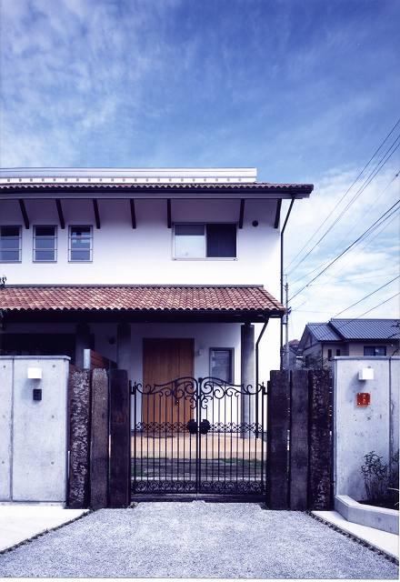 今治 洋風瓦の家
