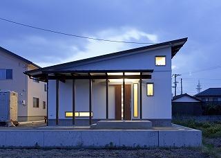 House-IY_01.jpg
