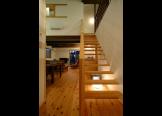 シースルーのリビング階段